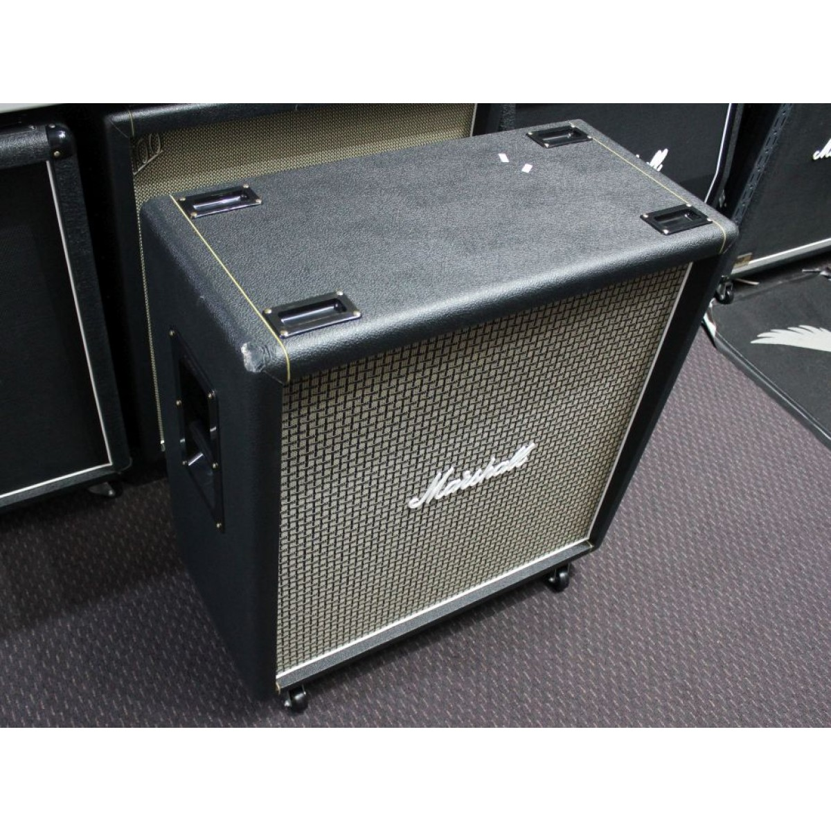marshall mc 1960bx 100w 4x12 classic straight guitar speaker cabinet cosmetic shop damage. Black Bedroom Furniture Sets. Home Design Ideas