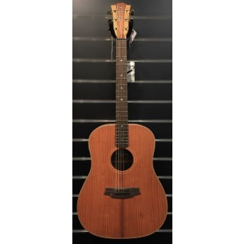 COLE CLARK – FAT LADY 2 – AMERICAN REDWOOD/AUSTRALIAN BLACKWOOD DREADNOUGHT GUITAR