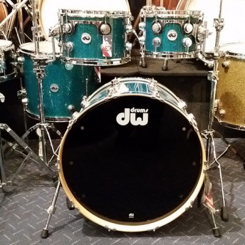 DW – COLLECTORS SERIES MAPLE 4 PIECE DRUM KIT SHELL SET – TEAL GLASS