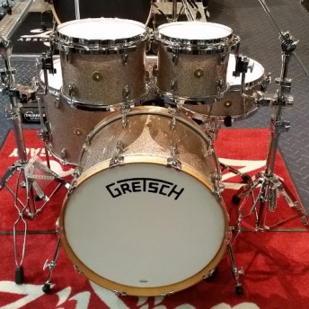 "Gretsch Broadkaster 5 Piece Drum Kit 22"" Shell Set - Champagne Sparkle Finish"